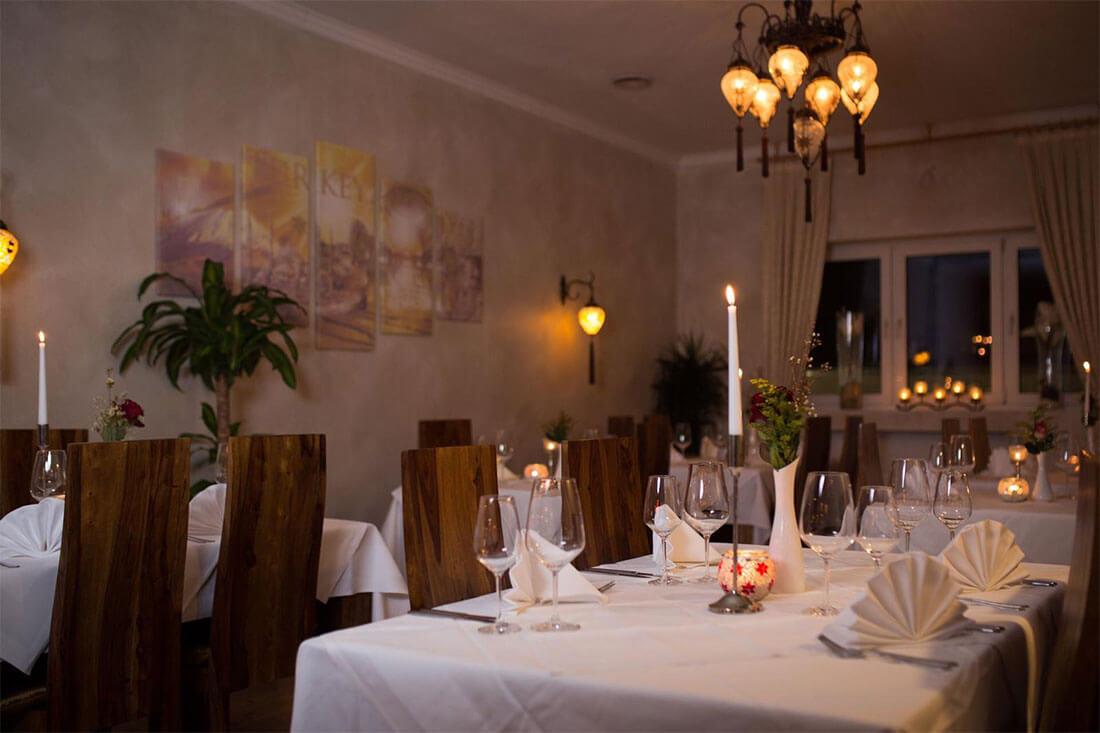 Gedeckter Tisch für ein Brunch in Hanau